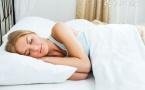 顺产坐月子睡眠姿势