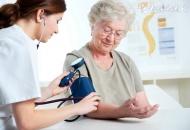 老人血压低是什么原因