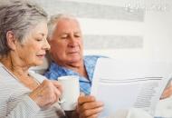 为什么老人喜欢看报纸
