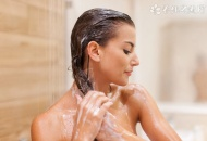 头发干用什么洗发水