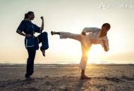 跆拳道的腰带怎么系