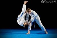咏春拳的爆发力怎么练