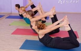 高温瑜伽的定义和注意事项