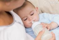 小孩吐奶是什么原因