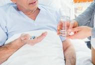 老人食物中毒怎么办