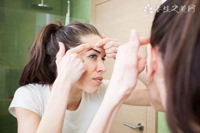 脸上有痘痘早上用什么洗脸最好