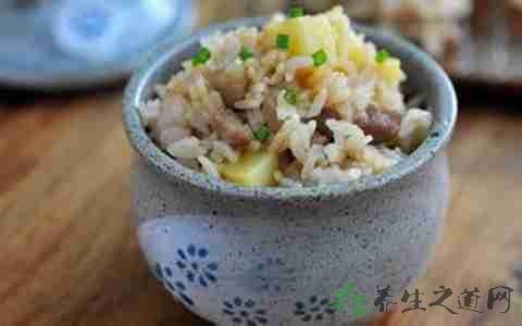 做洋芋焖饭放什么调料