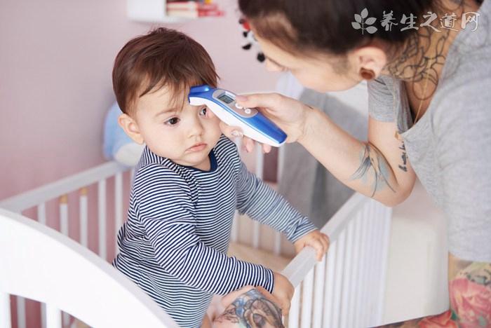 四个月的宝宝发烧怎么办