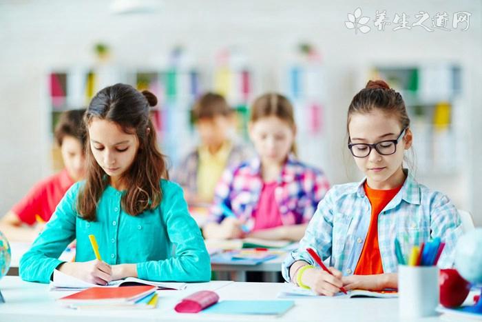 小学生粗心怎么教育