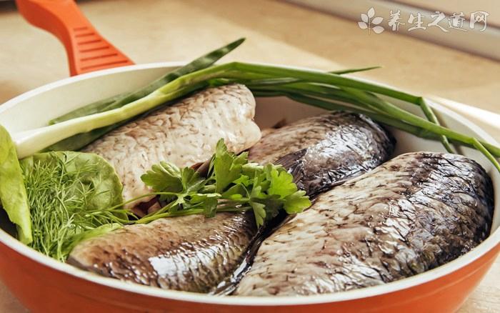 青蒜鲤鱼汤什么时候放调料
