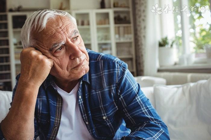 老人心烦躁吃什么