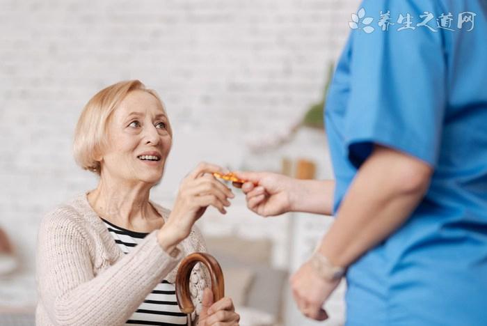 老人视力模糊用什么药