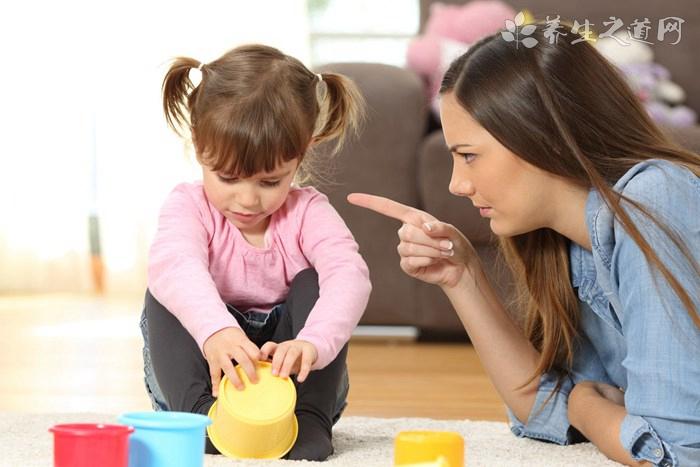 2岁小孩爱打人怎么办