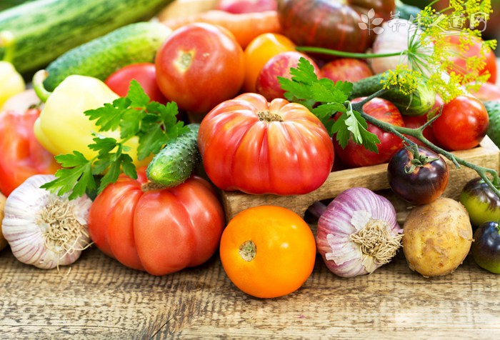 胡萝卜炖肉能放大蒜叶吗