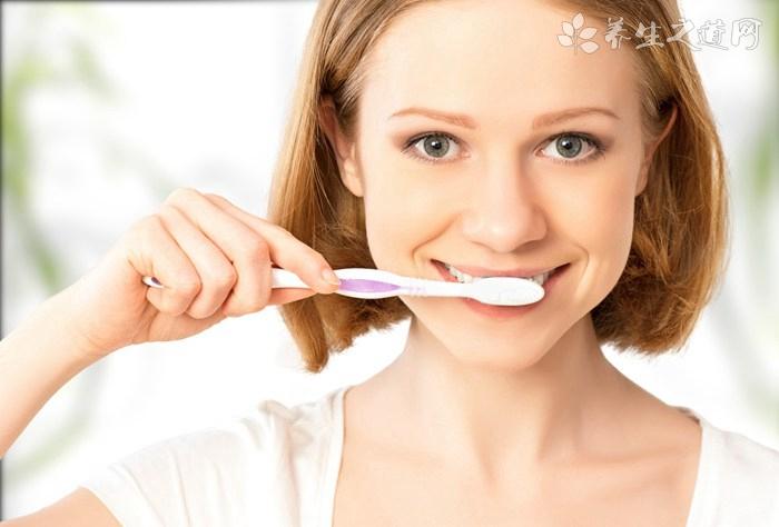 美白牙齿的治疗偏方
