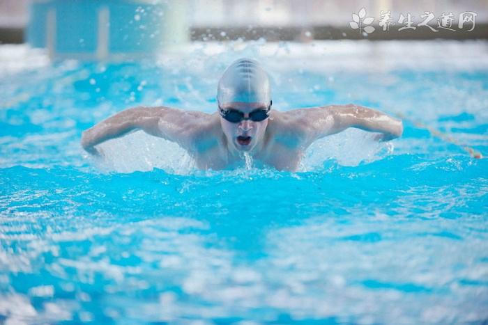 室内游泳怎么保护皮肤