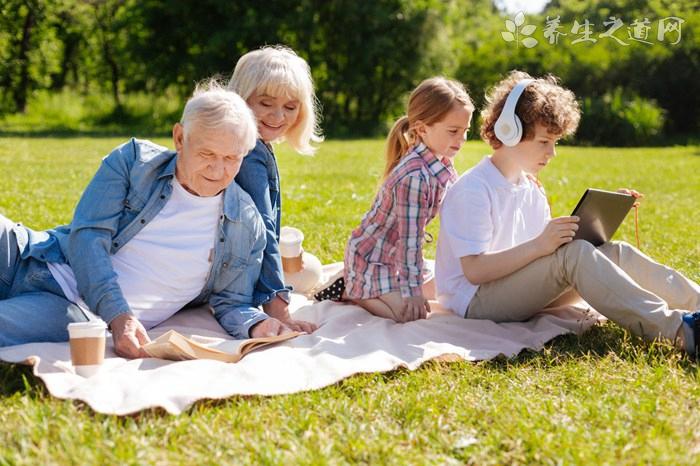 怎样了解老年人的心思