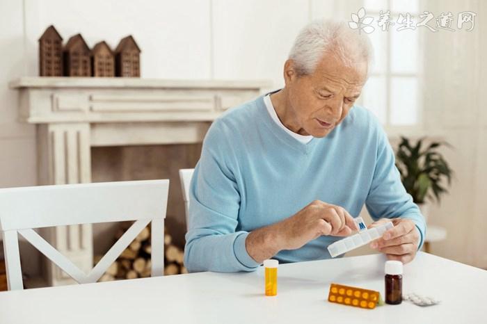 老年精神病的症状表现