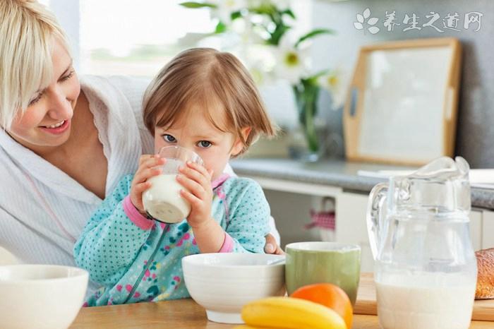 儿童喝纯牛奶好吗