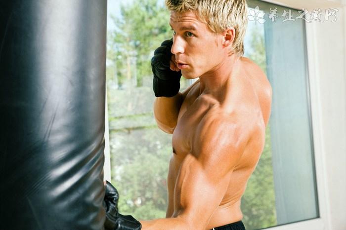 自己一个人怎么练格斗