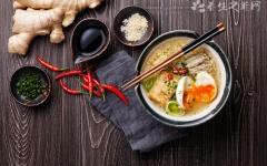 增白养颜-金针鸡肉汤