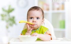 食疗:喝薏仁茶帮助消除瘊子