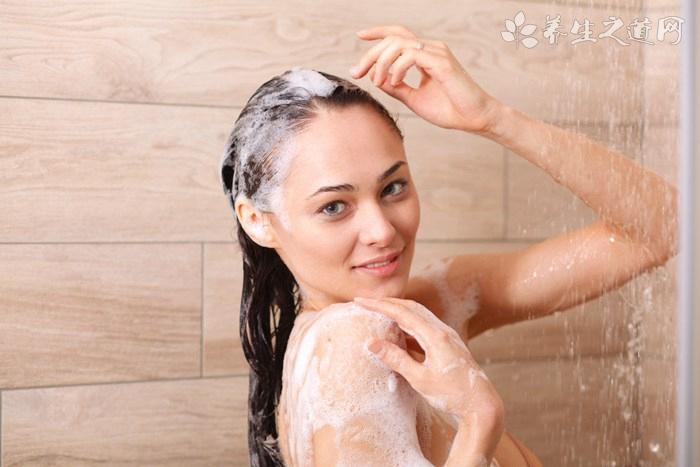 女人坐月子能洗头吗