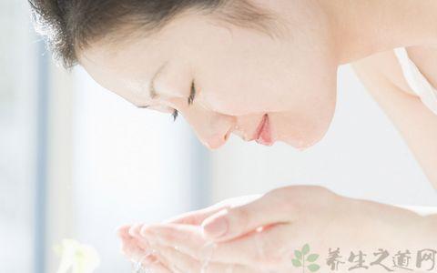 淘米水洗脸的正确方法