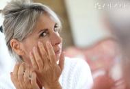 如何在家自紧肤面膜_怎样做简易的紧肤面膜