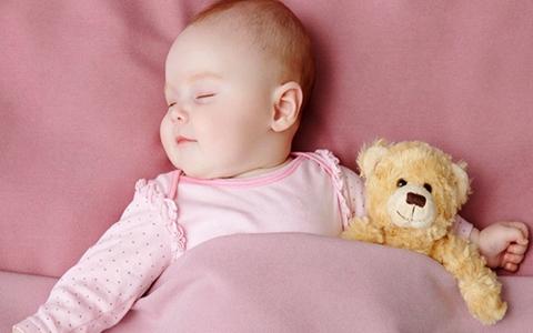 宝宝选择怎样的睡姿好 宝宝正确的睡姿有哪些