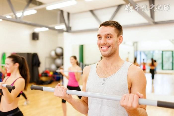 杜海涛健身秀肌肉 男性怎么练出肌肉