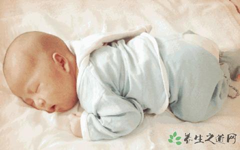 睡觉时头部出汗_小孩睡觉脖子出汗-宝宝睡觉脖子后面出汗 小孩晚上睡觉脖子出汗 ...