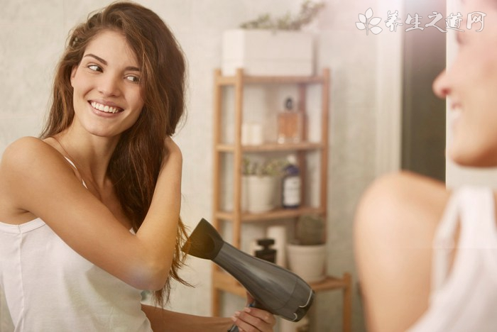 在家如何护理头发