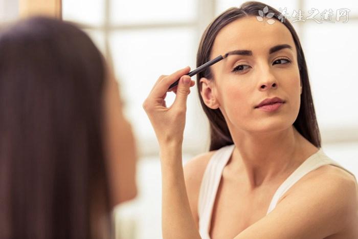 轻松省时7个一分钟化妆技巧