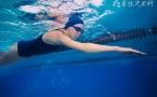 不会游泳不能毕业 新手怎么学游泳