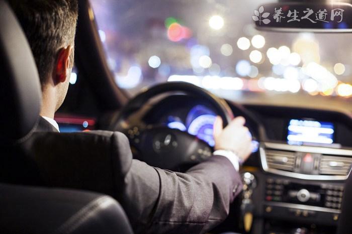 车主酒后闹市飙车 酒驾的危害有哪些