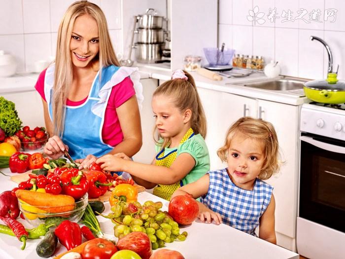 水果当晚餐送进ICU 晚餐怎样吃才健康