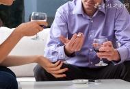 女职员饭局死亡 饮酒要注意什么事项