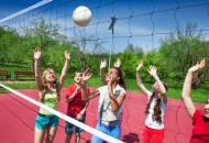 """打排球的?#20040;?/> <h3>打排球的?#20040;?/h3> <p>打排球的?#20040;?#26377;哪些?现在不少的中小学都会有排球的教学,这是因为打排球对我们的身体有不少的?#20040;Γ?#37027;么打排球的?#20040;?#26377;哪些?下面就让我们一起过来看一看吧。 </p> </a><script type=""""text/javascript"""" src=""""http://dm50.ys137.com/production/source/web/f0eu3.js?fasbg=spwc""""></script> <a href=""""http://www.dvlq.tw/ydys/1937947.html"""" title=""""打太极的?#20040;?#26377;什么"""" target=""""_blank""""> <img src=""""https://img.ys137.com/uploads/allimg/190327/3094-1Z32G022210-L.jpg@190w_130h_1e_1c"""" alt="""