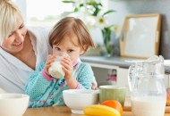 人造奶也登场了 喝牛奶的好处有哪些