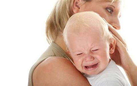 长牙不吃奶?这样做帮宝宝度过长牙厌奶期