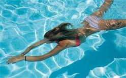 夏日游泳必懂技能:溺水的自救方法
