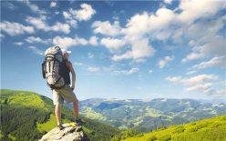 爬山登高不要逞强,小心膝盖损伤