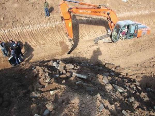 陕西省宝鸡市工地发现一座有着精美浮雕的古墓图片