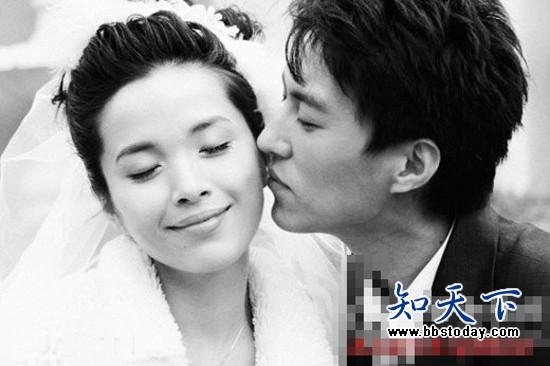 装者明楼扮演者靳东的老婆李佳资料简介照片