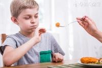 盘点儿童不能吃的十种零食