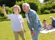 老人饭后不宜做什么事 老人饭后应做什么有利于健康
