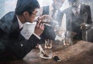 兰州一干部聚餐饮酒后猝死 过度酗酒的危害