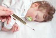 小孩高烧抽搐快警护送3分钟就医 宝宝高烧抽搐怎么办