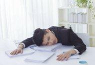 睡觉1小时断气85次 睡眠呼吸暂停怎么治